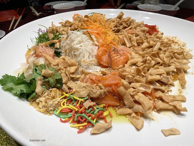 Prosperous Salmon Yee Sang
