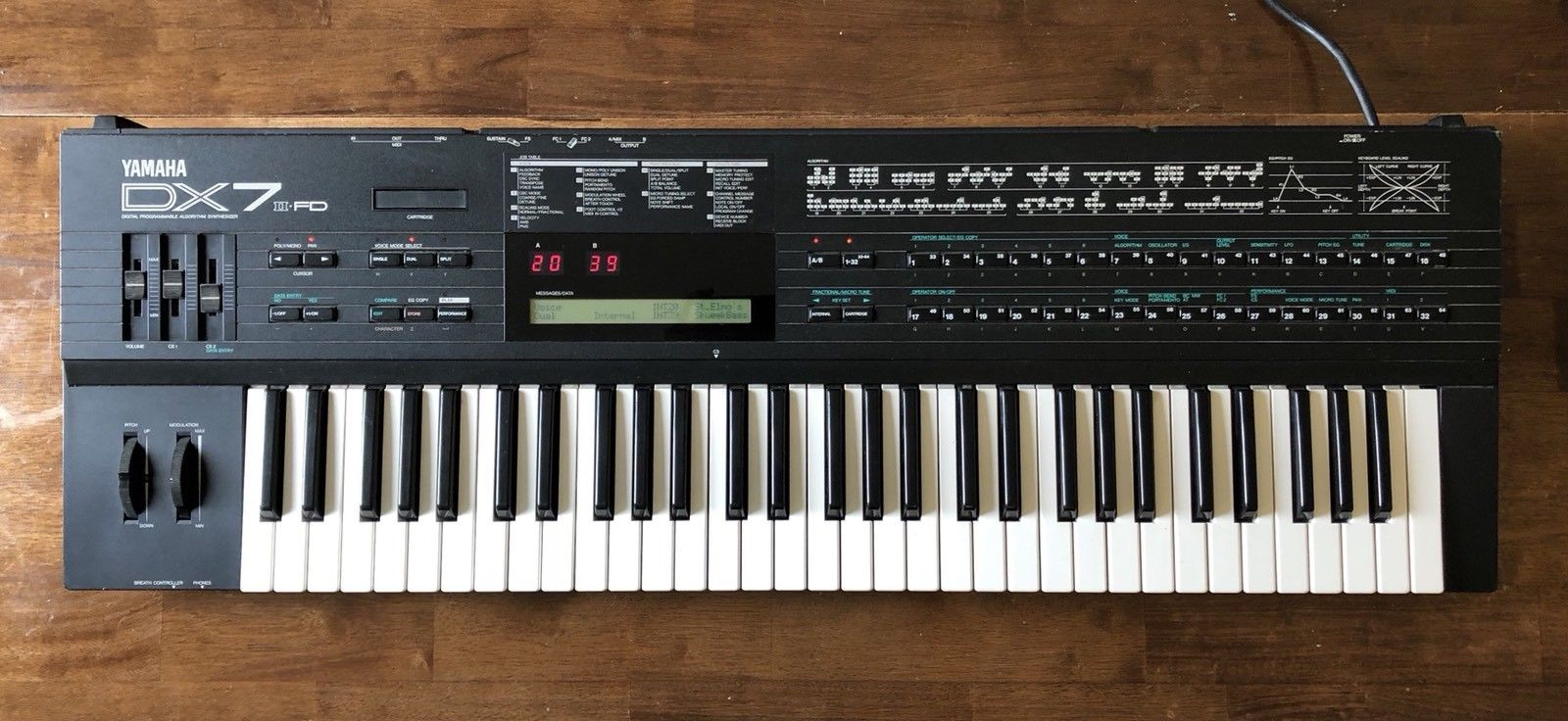 Yamaha DX7 II FD 61 Key Synth Velocity Aftertouch RM Synthesizer