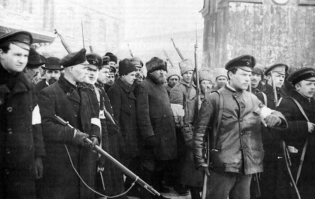 Buongiornolink - Rivoluzione russa, cento anni fa Lenin prendeva il potere. Cosa rimane oggi