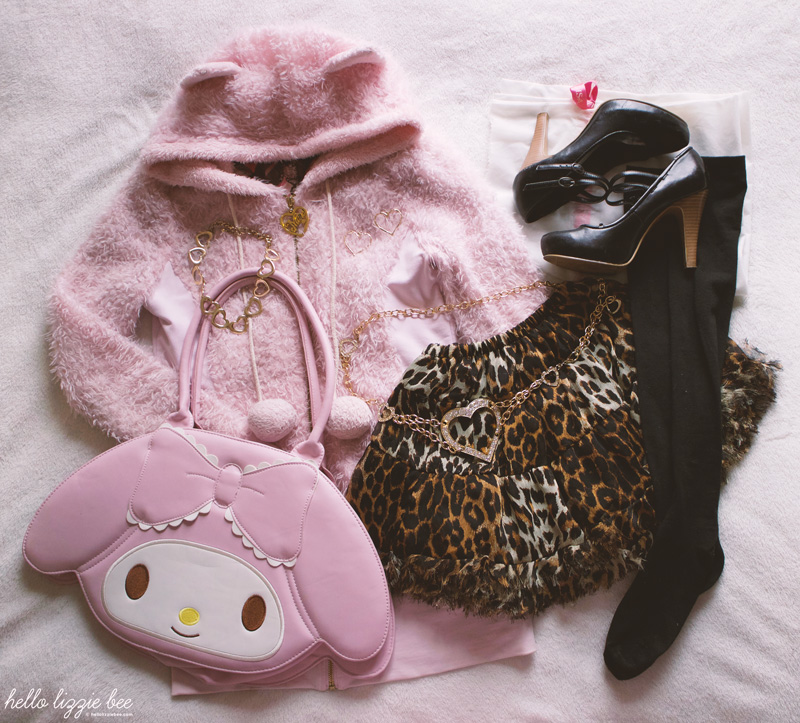 agejo gyaru outfit with leopard print skirt