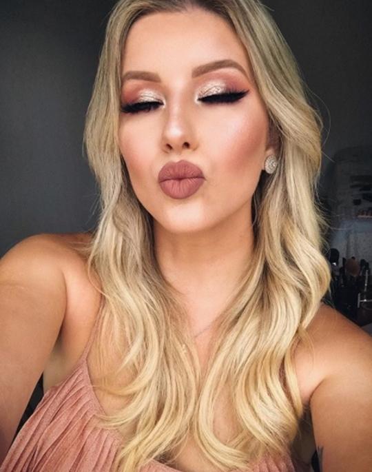 maquiagem de festa loira