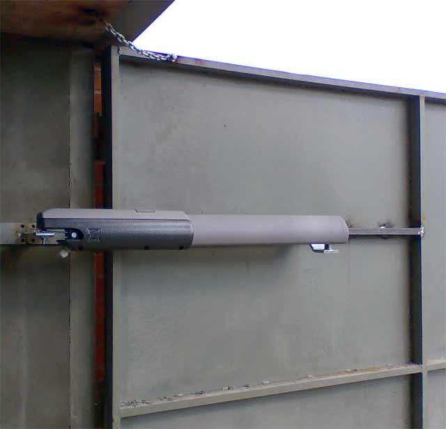 Секционные гаражные вороты