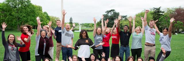 Michelle Obama fala aos graduados em Chicago para 'ficarem com fome'