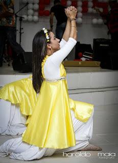 Milene Oliveira dançando balé