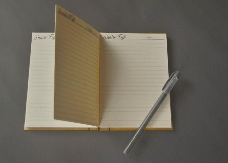 Halaman isi Notebook Handmade Sunisa Fuji