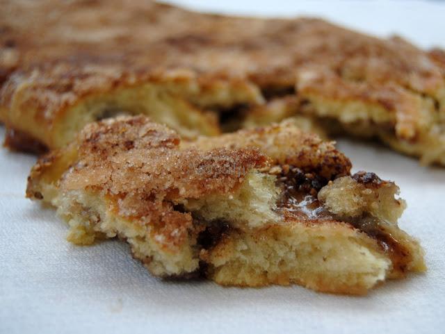 Torta de Masa de Pan rellena de Azúcar y Canela