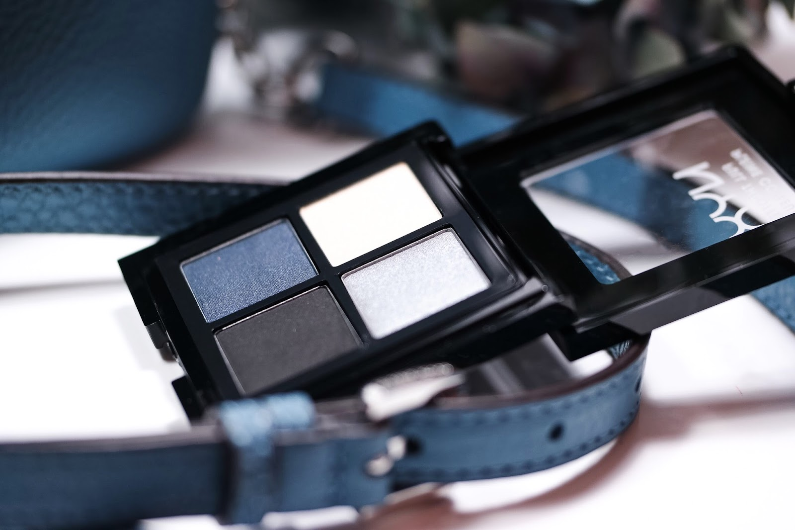 Eyeshadow blau