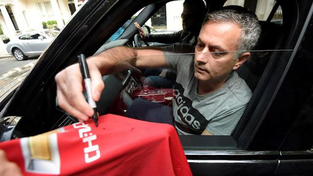 Mourinho Ingin Dybala dan Pogba Gabung MU