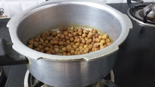 Boiled chana