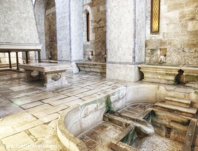 klasztor Alcobaca w Portugalii, Opactwo Cysterów w Alcobaca, miejsce pochówku króla Pedra i Ines de Castro, kuchnia klasztorna w Alcobaca