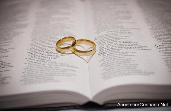 Biblia Para Matrimonio : Biblia para boda moño flores modelo