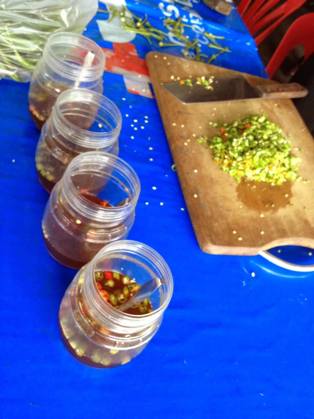 Chiang Mai - Making a condiment of hot peppers and fish sauce