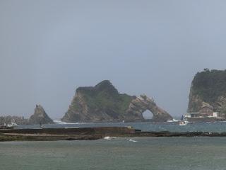鋸南町・竜島海岸