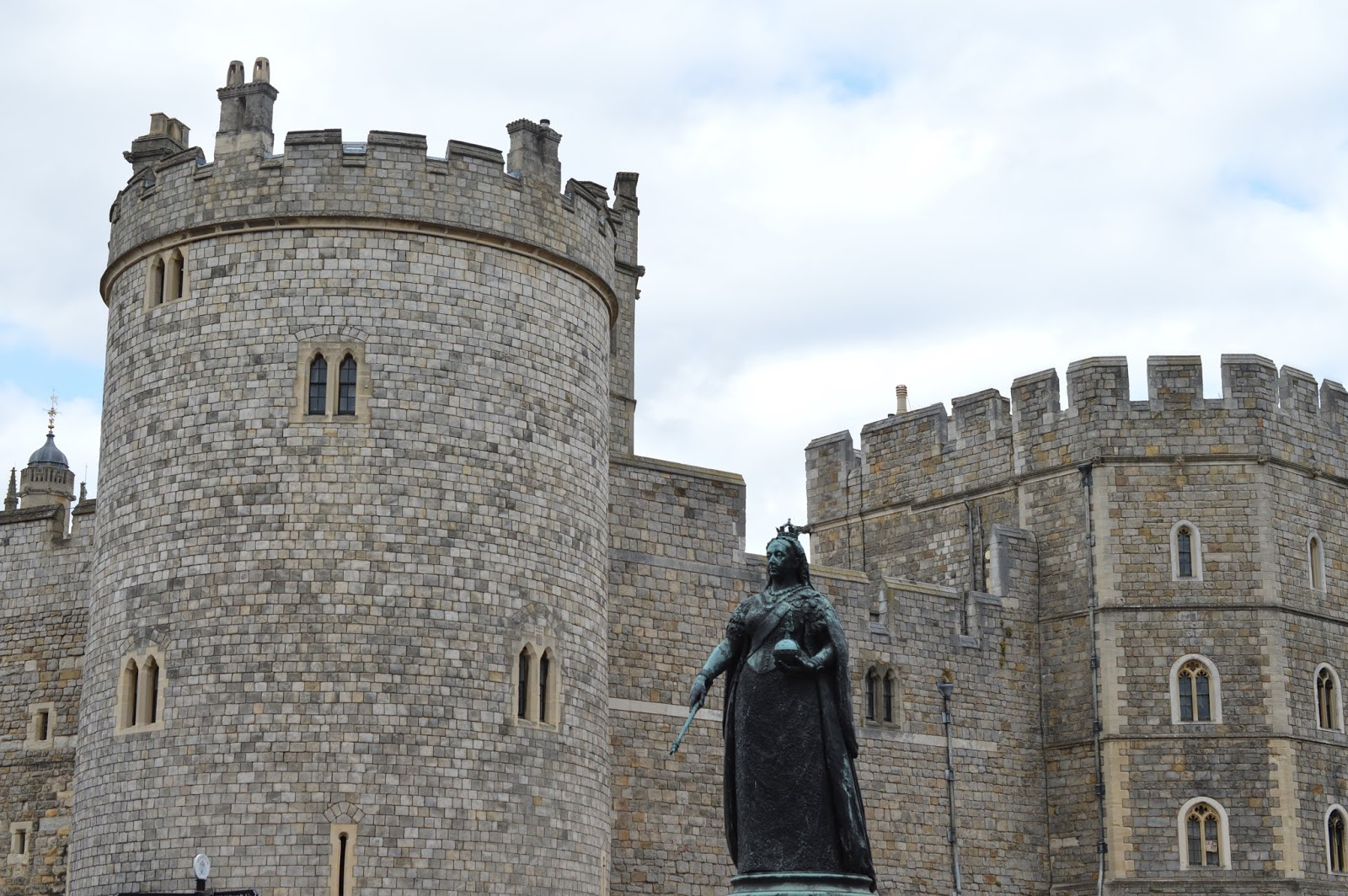A Short Stay in Windsor with Kids  - windsor high street