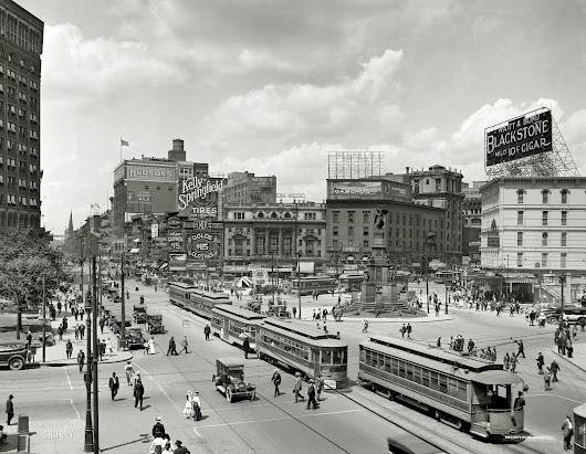 Woodward Ave., Detroit, circa 1917: