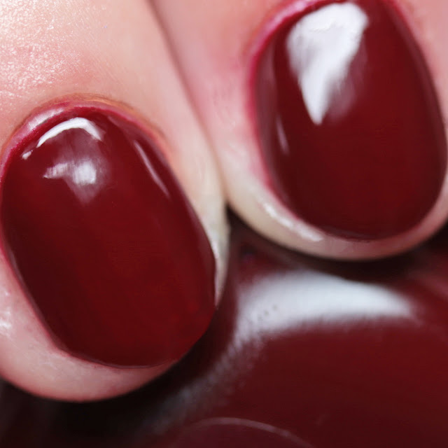 Sally Hansen 474 Can't Beet Royalty