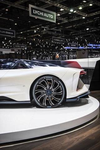 Perfect Fit significa anche omologazioni specifiche dei pneumatici Pirelli  in base alle richieste delle Case auto. Molte delle principali novità del  Salone ... 1b3a358736b