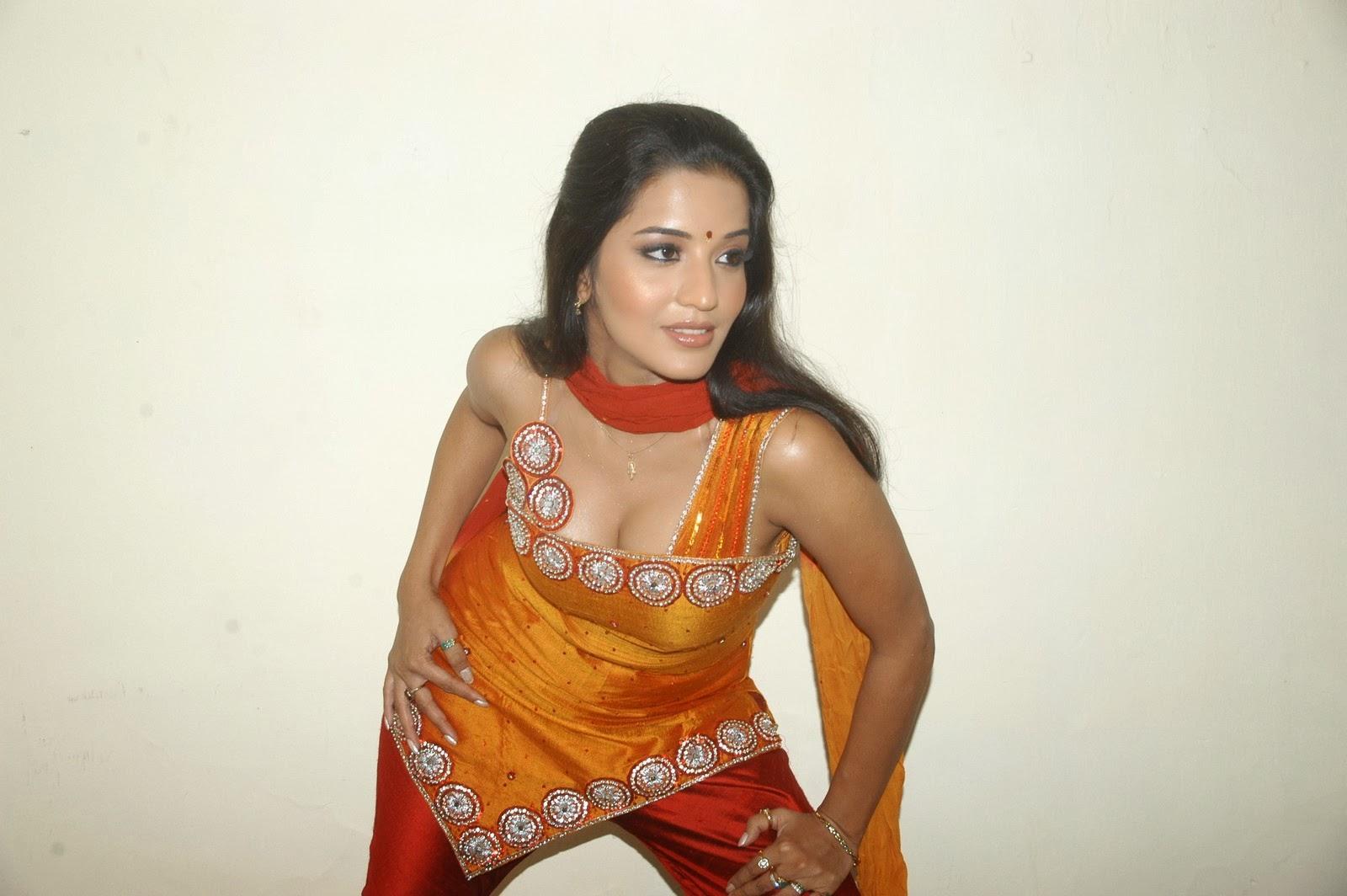 bhojpuri actress monalisa wallpapers