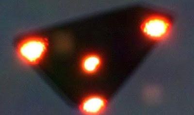 Presunto UFO di forma triangolare