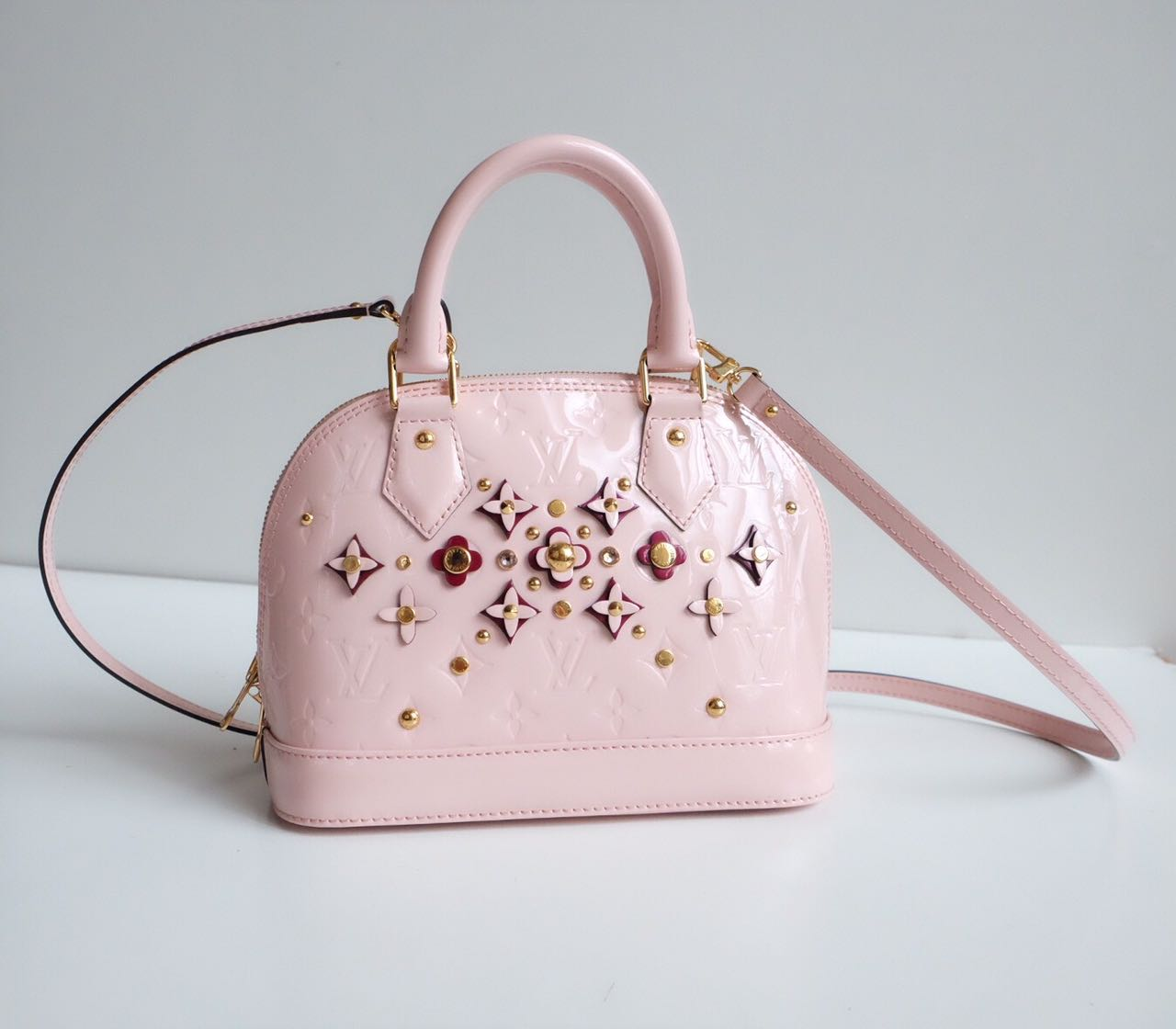 Kinda Kollection  Louis Vuitton Alma Baby Monogram Vernis With Flowers  Mirror Original Leather Bag 46f728be5b