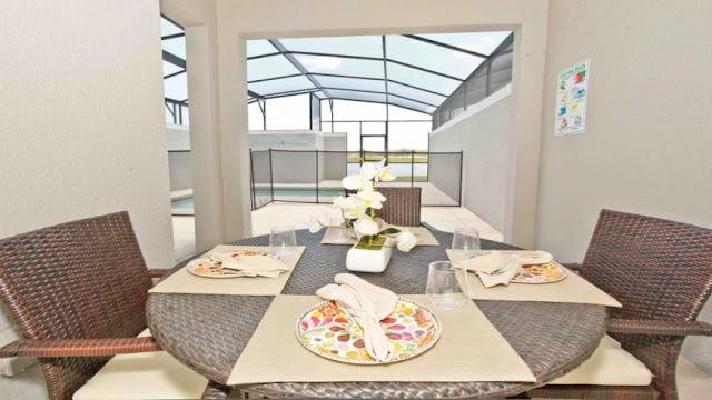 Casa com piscina no condomínio Storey Lake Resort em Orlando