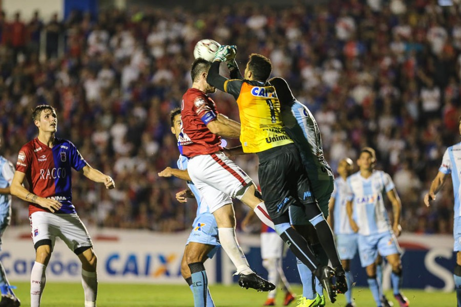 e9022973550dc Paraná derrota Londrina e está no G4 da Série B - Inter retoma ...