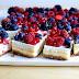 Чизкейк со сливочным сыром и ягодами