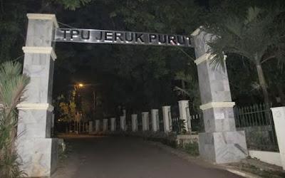 tempat berhantu di jakarta TPU Jeruk Purut