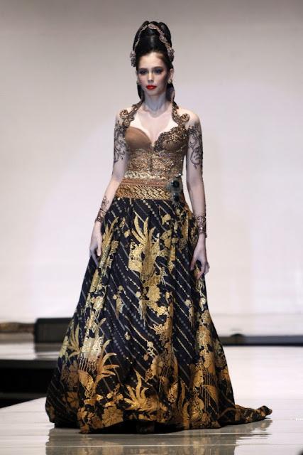 Baju Kebaya Modern Anne Avantie