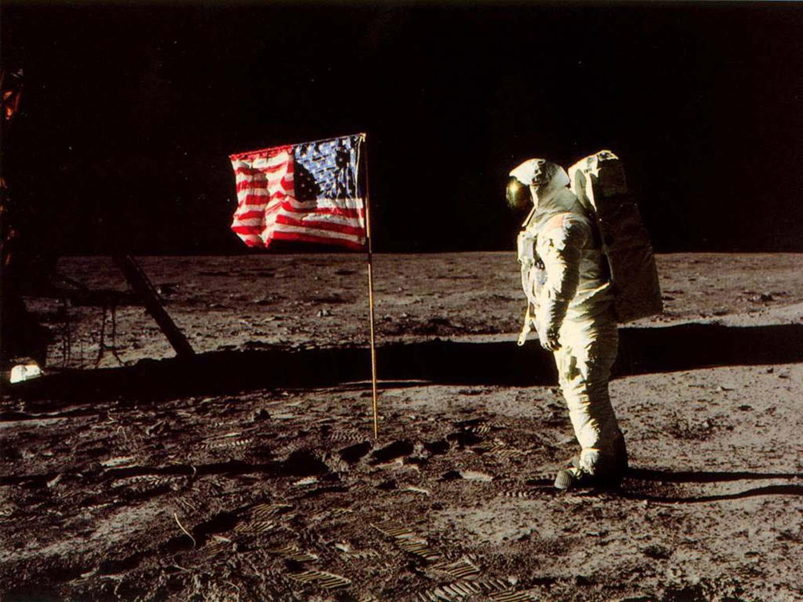 wallpapers: Moon Landing Wallpapers
