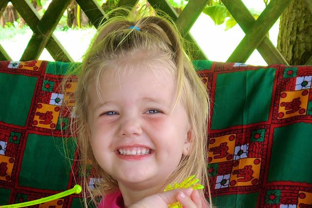 betty baby cute smiling blondie