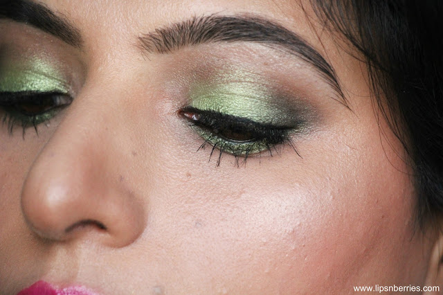 MAC lucky green eyeshadow review