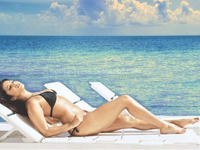 Katrina kaif in hot bikini