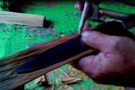 Cara membuat sarung pisau badik khas suku bugis (makasar)