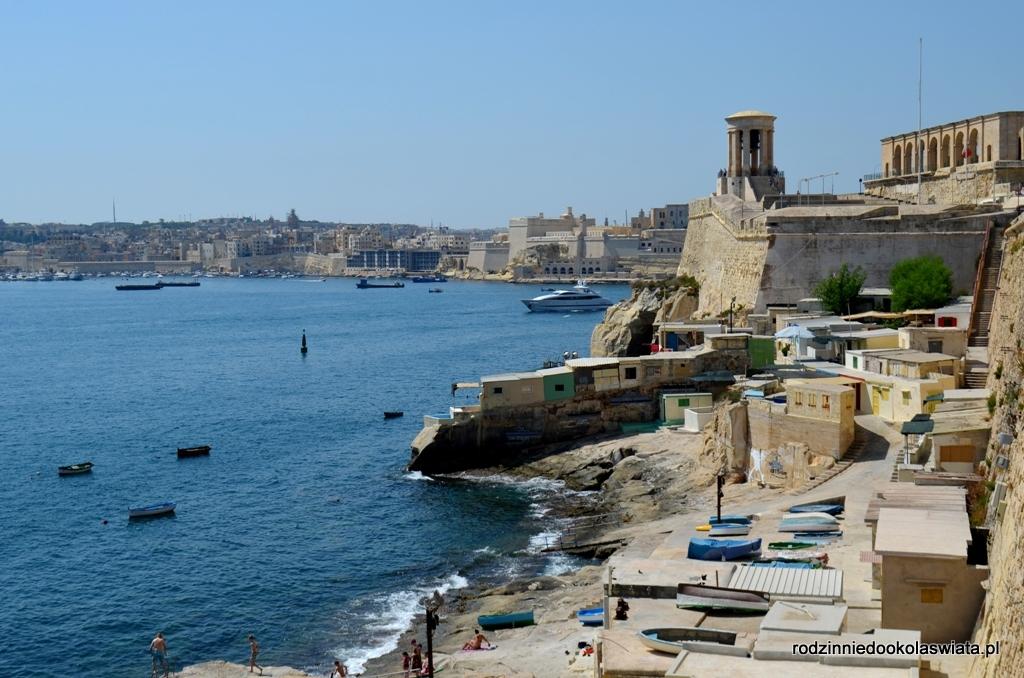 Malta z dzieckiem- spacer po Vallettcie