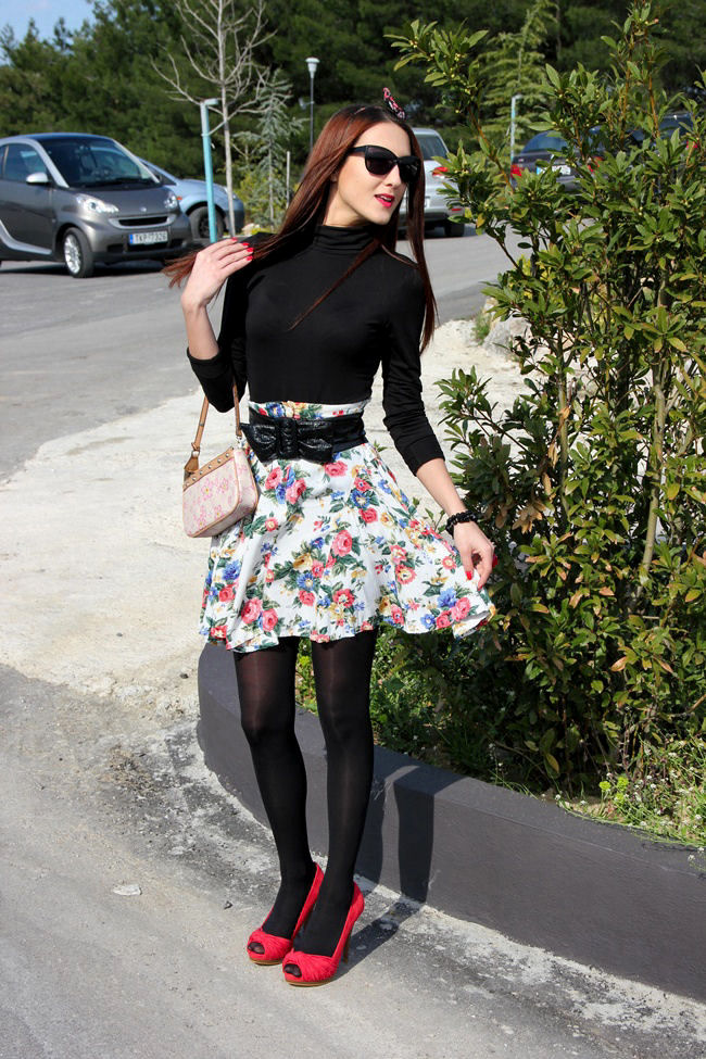 flower print flirty skirt winter outfit ideas