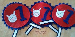medallas broche de fieltro/ felt medal brooch