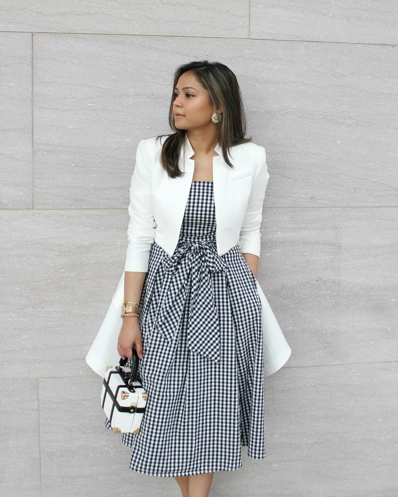 how to wear gingham without looking like a tablecloth- picnic blanket- grown up gingham- spring trend- summer fashion- new york and company dress- ny&co gingham dress- fashion blogger-