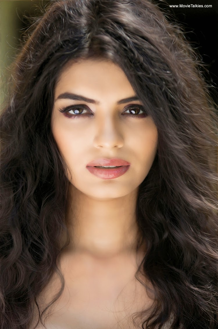 Gola Sonali Raut 18 Photo Boobs, Instagram-5893