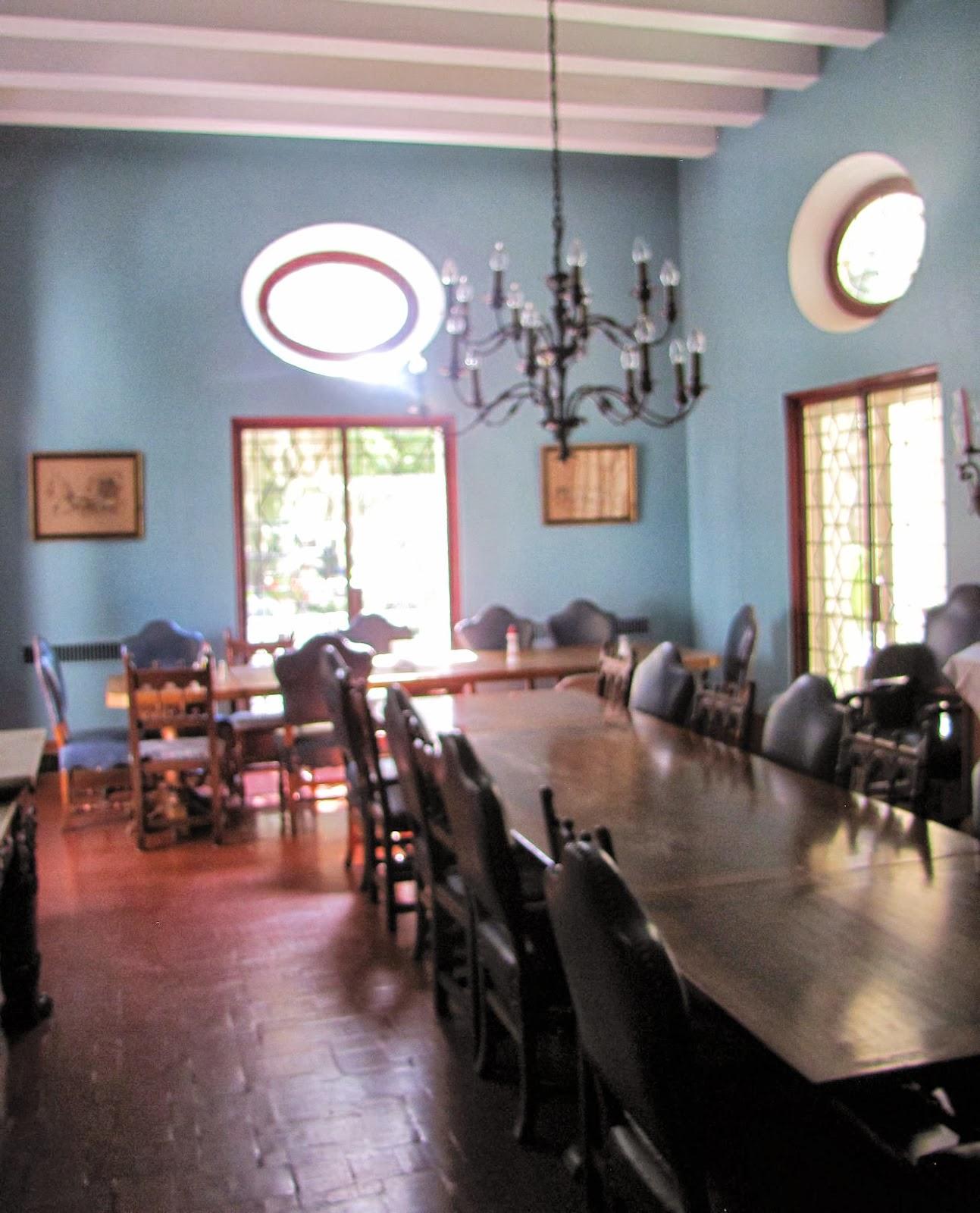 Mansion Dining Room: Femme Au Foyer: Sapelo Island