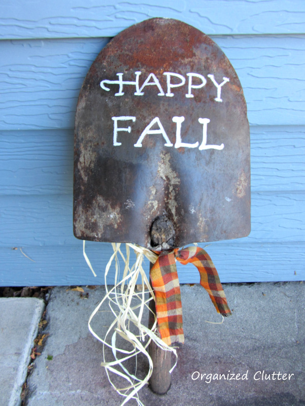 Shovel Head Fall Sign www.organizedclutterqueen.blogspot.com