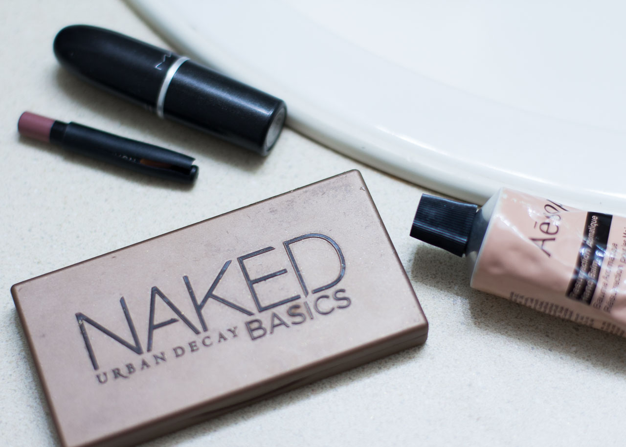 Fall Winter make-up routine - Favorite beauty products - Urban Decay Naked basics