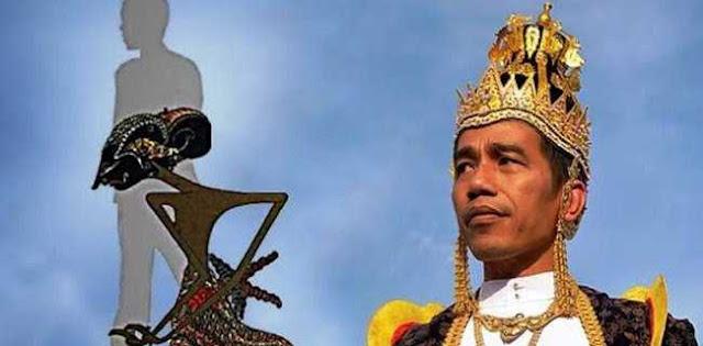 Mahkota Raja Jokowi Menusuk Sri Sultan Dan Keluarga Ningrat Di Jawa!
