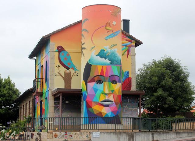 Fresh Wall Somo. Obra de Okuda y Waone en Somo. Arte urbano en Ribamontán al Mar