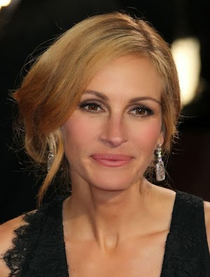Julia Roberts is missing at funeral of Sister