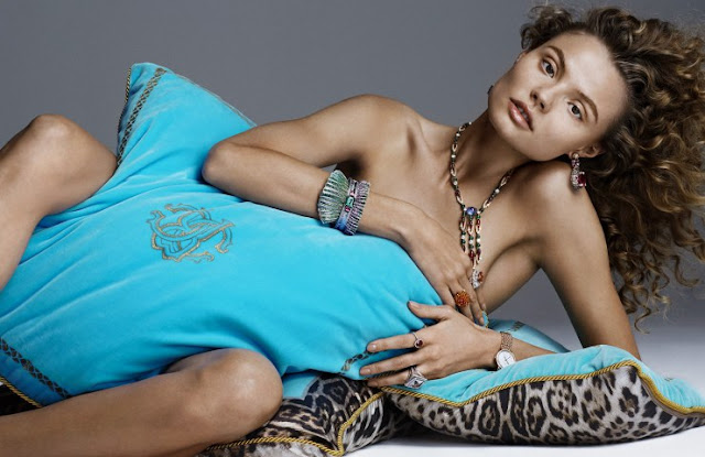 EL SIGLO DE ORO : Magdalena Frackowiak for Vogue Spain