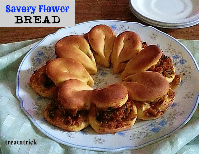Savory Flower Bread Recipe @  treatntrick.blogspot.com