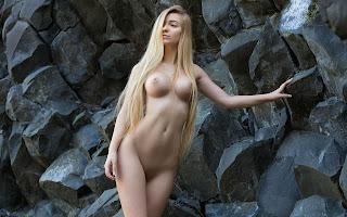 Hot Naked Girl - Acacia-S02-002.jpg