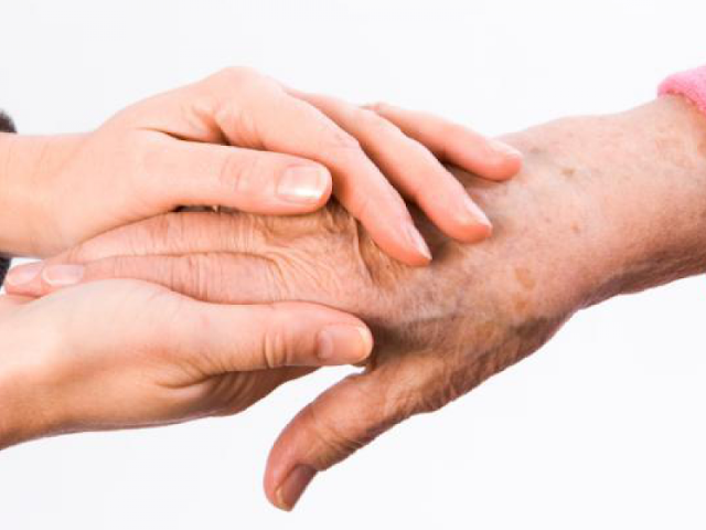 Ζητείται κυρία για τη φροντίδα ηλικιωμένης