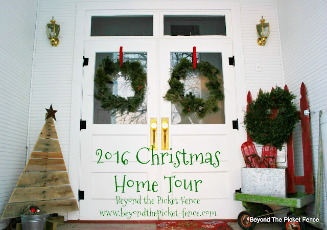 Christmas Home Tour, rustic farmhouse, old schoolhouse,  https://goo.gl/xpejCP